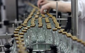 Зеленський підписав закон про скасування держмонополії на виробництво спирту