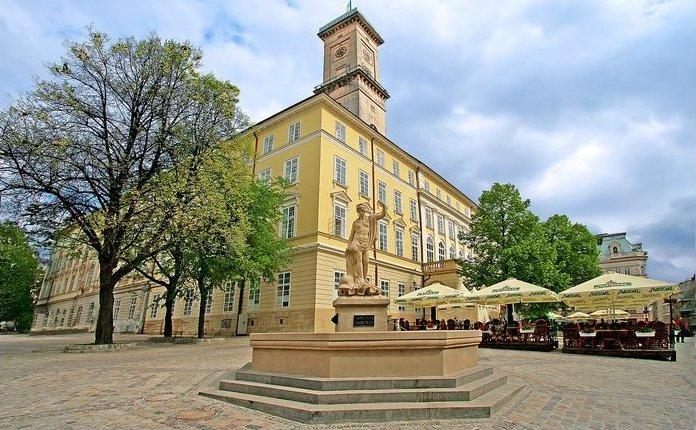 АМКУ оштрафував на 200 тис. грн підприємця за махінації на торгах «Ратуші- Сервіс» | Вежа
