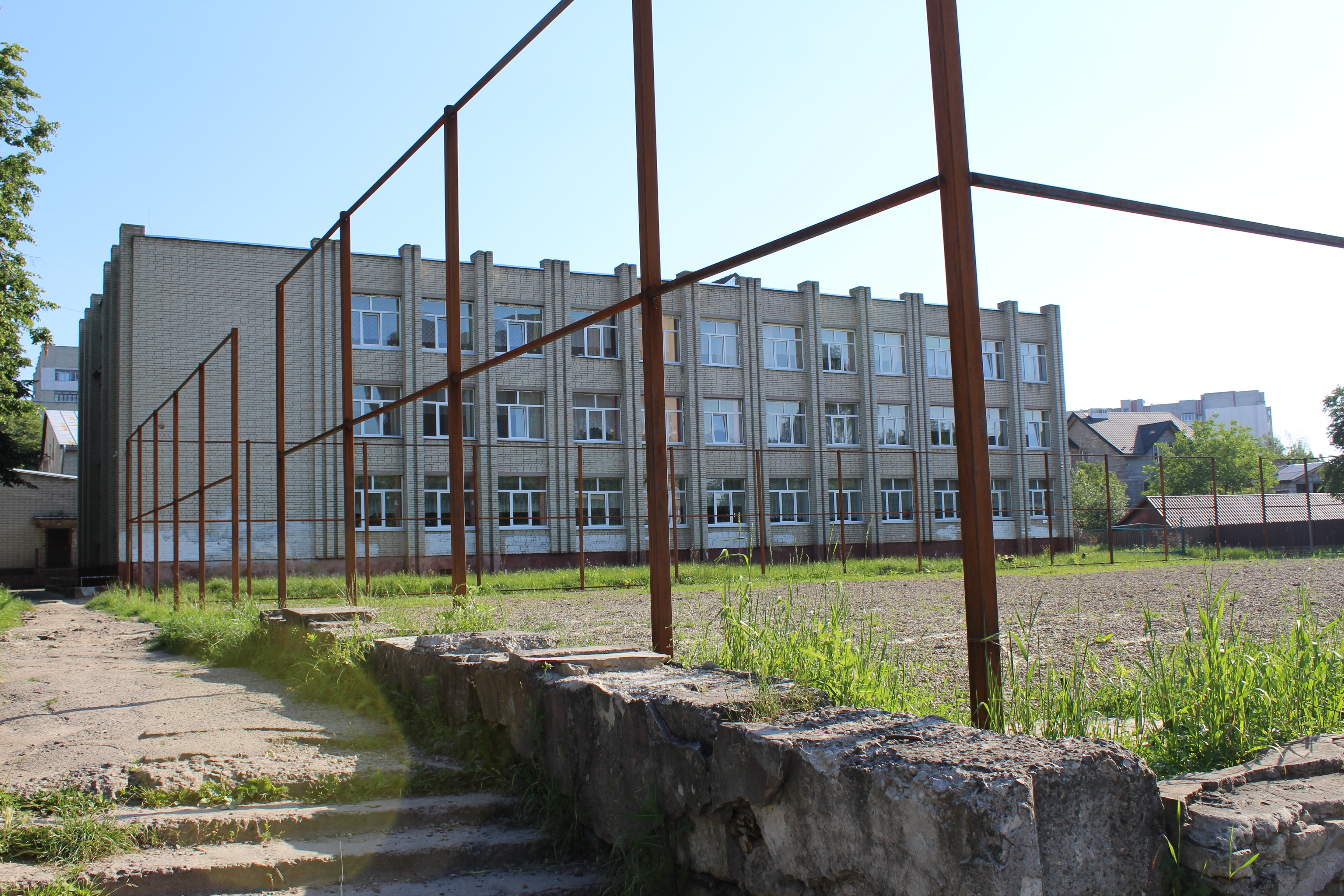 У скільки обійшлись та хто реконструює спортивні майданчики Львова