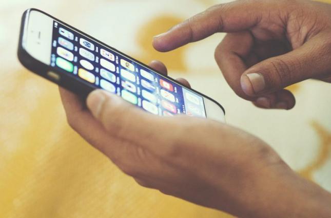 Мобільним операторам заборонять списувати гроші без згоди абонента