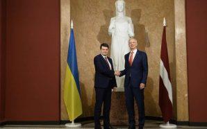Разумков заявив про продовження збільшення товарообігу і економічної співпраці із…