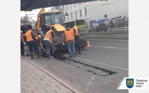 Комунальні служби ліквідували аварійність на магістральних дорогах міста, площею 416…